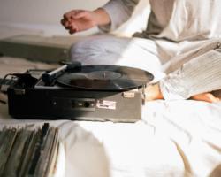 FoutraKoronA – «S'en Sortir Sans Sortir» mix pour Radio BAM